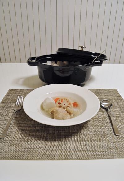 ストウブで作った根菜のポトフ