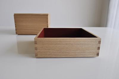 松屋漆器店 白木の重箱を買いました。